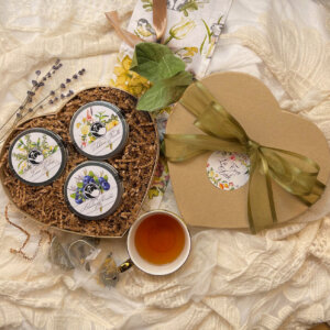 large heart with floral teas gift box
